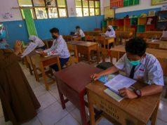 Pemerintah Salurkan Bantuan Subsidi Upah bagi Tenaga Pendidik Non-PNS