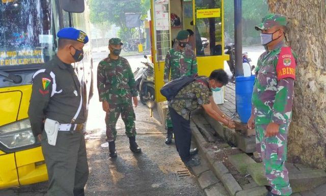 Cegah Covid-19, TNI Sambangi Terminal Trans Citra